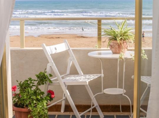 Appartamento sulla spiaggia vista mare