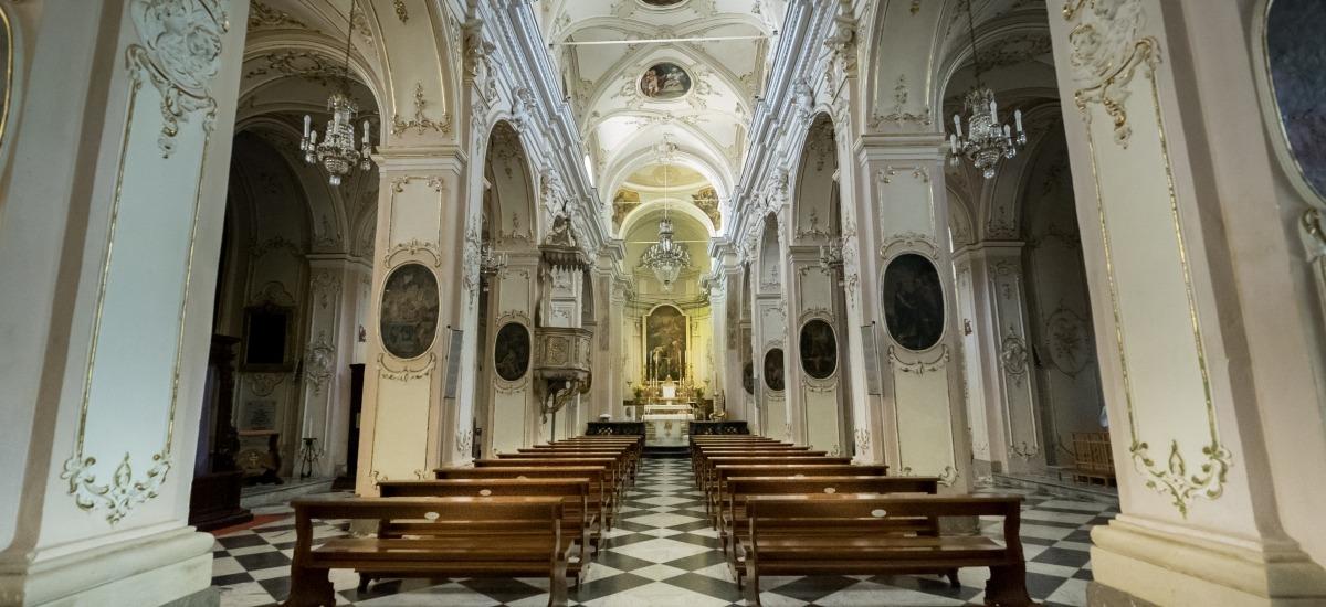 navata centrale della chiesa di San Giovanni Battista