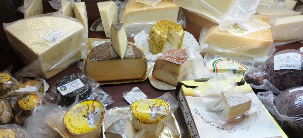 ai formaggi provenienti dai monti iblei