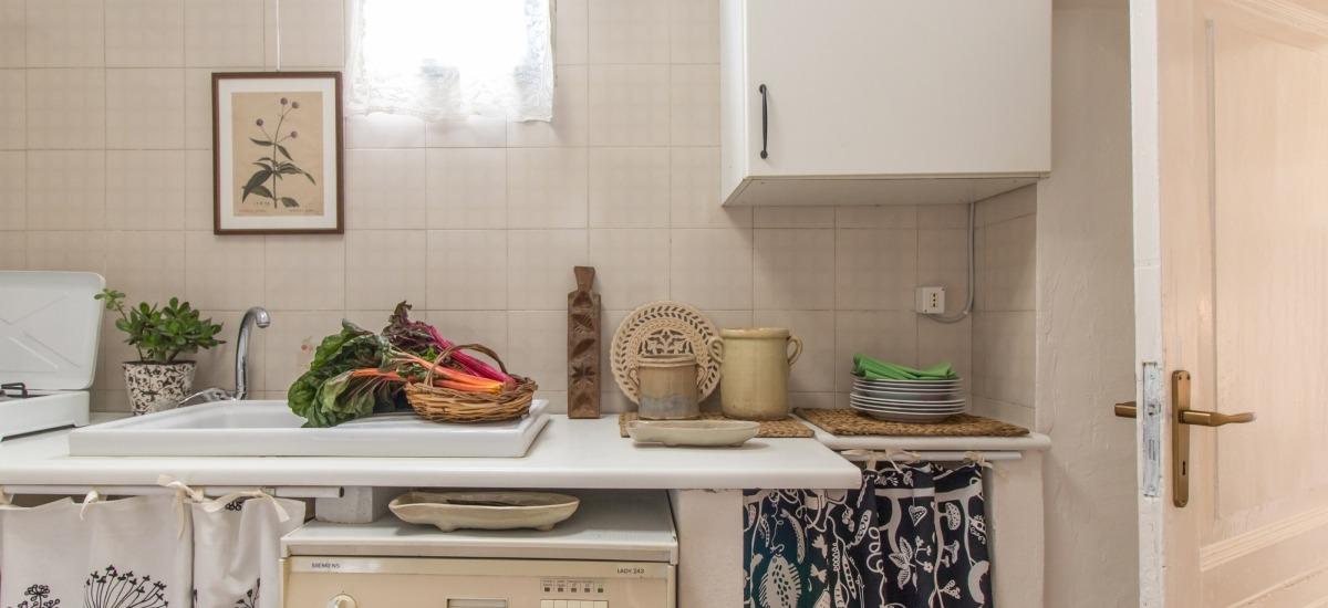 La cucina è comune e si trova al centro della casa