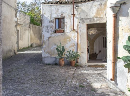 Dimora storica , in dammuso ristrutturato , atmosfera suggestiva dotata di ogni comfort nel centro storico di Palazzolo Acreide
